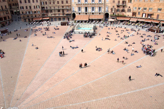 Piazza del Campo as seen by the ECLA students