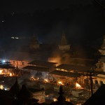 Cremations performed in Pashupatinath at night