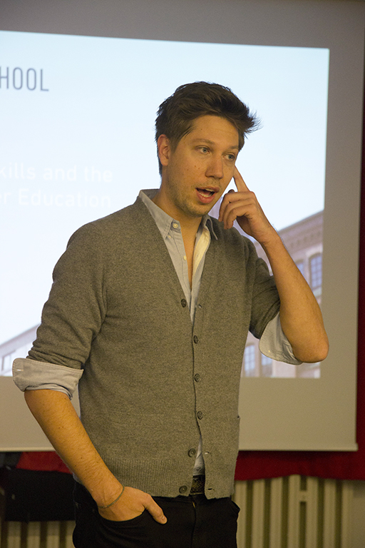 Alumnus Florian Hoffmann giving a talk at Bard College Berlin (photo by the author)