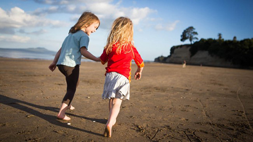 "Hanna and Mila, New Zealand - Looking for Taka Tuka Land. Photo:  ""Family Without Borders"" blog"